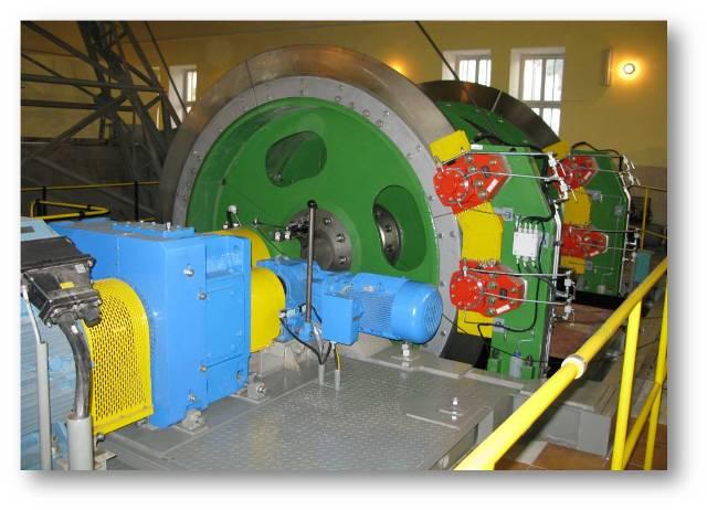 Zdjęcie - górnicza maszyna wyciągowa