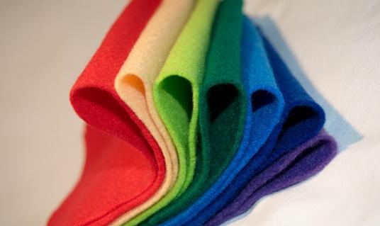 Zdjęcie - różnokolorowe szmatki z mikrofibry